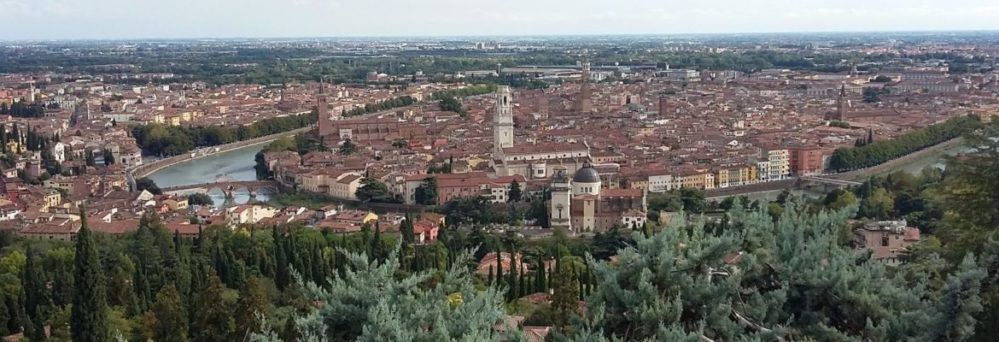 Verona vista dalla collina
