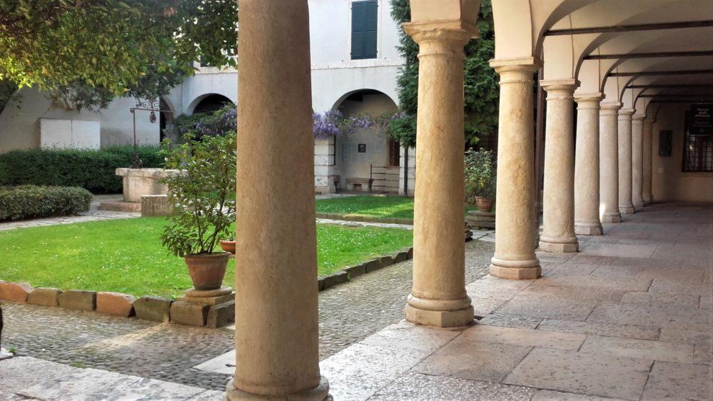 Cortile tomba di Giulietta