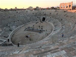 cavea arena